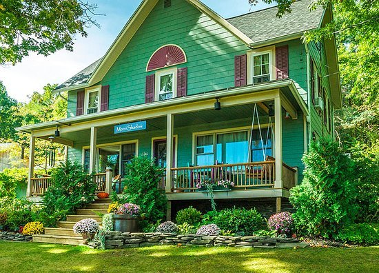 Moonshadow Bed and Breakfast Tips 2020