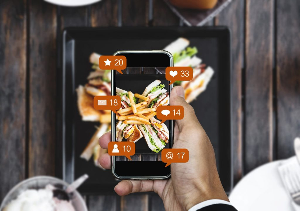 Take Advantage of Social Media in Restaurant Marketing Guide and Effective Tips
